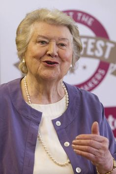 Who is Patricia Routledge? Keeping Up Appearances star and singer heres what we know British Actresses, Actors & Actresses, Keeping Up Appearances, British Comedy, Old Tv Shows, Idol, Singer, Stars, Film