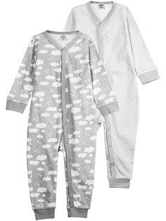 2-pk. mønstrede pyjamaser. Knepping med trykknapper foran og langs det ene benet. Ribbestrikket kant rundt ermene og nederst på bena. OBS For føtter i størrelsene 44–62/68.