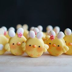 …and here we are, an army of freshly hatched bunny-chick macarons to wish you and your loved ones a very happy Easter Sunday!! . . #かわいい #マカロン #馬卡龍 #可愛い #甜點 #手作りお菓子 #クッキー #easter #macarons #復活節 #easterbunny #dessertgram #cookies #macarongram #instafood #instagood #sweetstable #sweets #desserts #decoratedcookies #cookieartist #babyshower #weddings #cutefood #마카롱 #귀엽다 #photoofday #療癒 #มาการอง #babychicks