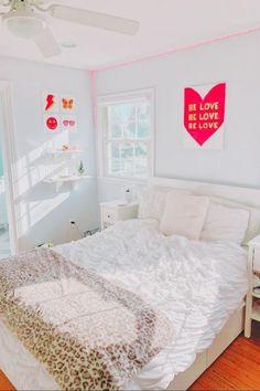 Room Design Bedroom, Room Ideas Bedroom, Bedroom Decor, Preppy Bedroom, Bedroom Inspo, Teen Room Decor, Aesthetic Bedroom, Dream Rooms, My New Room