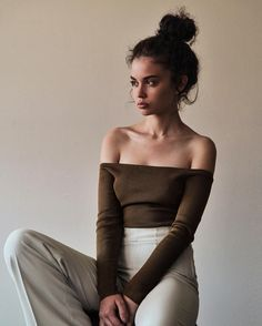 Explore releases from Sabrina Claudio at Discogs. Shop for Vinyl, CDs and more from Sabrina Claudio at the Discogs Marketplace. 90s Fashion, Street Fashion, Womens Fashion, Fashion Trends, Fashion 2018, Fashion Styles, Fashion Beauty, Pretty People, Beautiful People