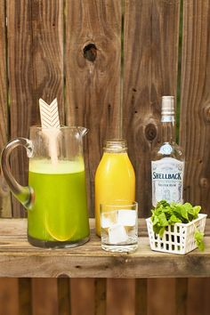 Summer Nights Cocktail 1/2 cup pineapple juice 1/2 cup fresh cucumber juice 10 fresh mint leaves 1.5 ounces white rum