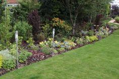 http://www.michaelwheat.co.uk/sites/default/files/styles/page-large/public/garden-design-images/garden-design-12.jpg?itok=FjtbifnD