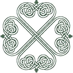 I've been wanting a tattoo of an outlined shamrock for years now, I really like the design of this one.
