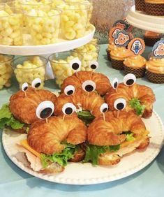 Moana Birthday Party, Luau Birthday, Luau Party, Mermaid Birthday, Moana Party, Third Birthday, Nemo Party Food, Finding Dory, Kids Meals