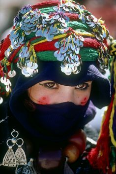 Africa | Berber girl.  Imilchil, High Atlas region, Morocco | ©Kazuyoshi Nomachi