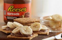 REESE'S Spreads make any treat more tasty. Learn how to make the Open-Face Peanut Butter Chocolate and Banana Graham Cracker Sandwich recipe here!