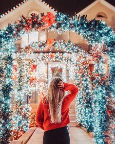 45 x leuke dingen om te doen in december - Suzanne Elisa Cupcake Christmas, Noel Christmas, Merry Little Christmas, Winter Christmas, Christmas Lights, Christmas Decorations, Christmas Mantles, Victorian Christmas, Kirklands Christmas