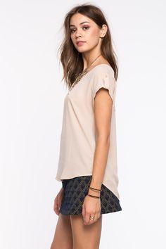 Блуза Размеры: S, M, L Цвет: кофе с молоком/хаки, винный/бордо Цена: 877 руб.     #одежда #женщинам #блузы #коопт