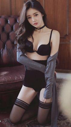 Asian Love, Sexy Asian Girls, Beautiful Asian Girls, Curvy Girl Outfits, Woman Face, Asian Fashion, Chic, Asian Woman, Beauty Women