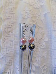 Boucles oreilles percées perles nacrées rose et bleu gris : Boucles d'oreille par mamiechantal-screations