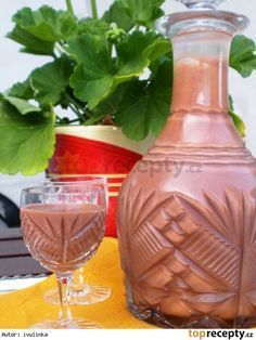 Kaštanové Baileys Alcoholic Drinks, Beverages, Champagne, Liqueur, Baileys, Hot Sauce Bottles, Sweet Recipes, Smoothies, Food And Drink
