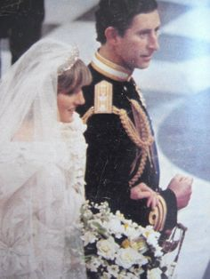 July Prince Charles marries Lady Diana Spencer in Saint Paul's Cathedral. Princess Diana Hair, Princess Diana Wedding, Prince And Princess, Princess Kate, Princess Of Wales, Royal Brides, Royal Weddings, Kate Middleton, Diana Wedding Dress