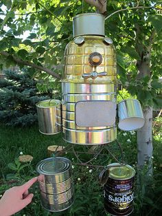S's tin can robot