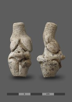 """A unique """"Venus"""" figurine has been discovered by archaeologists excavating at the prehistoric site of Renancourt in Amiens, northern France. The find is dated back to the Early Upper Palaeolithic. The Gravettian figurine was found in a layer with organic Ancient Mysteries, Ancient Artifacts, Ishtar Goddess, Paleolithic Art, Ancient Goddesses, Amiens, Art Antique, Art Sculpture, Mother Goddess"""