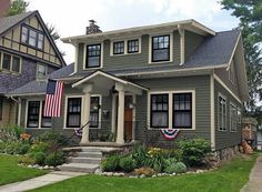 Best Exterior Paint Colors For House Farmhouse Green 46 Ideas Craftsman Home Exterior, Exterior Siding Colors, Exterior Paint Schemes, Exterior Paint Colors For House, Craftsman Bungalows, Paint Colors For Home, Modern Exterior, Exterior Design, Craftsman Style