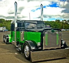Custom Big Trucks | ... , For This BadBoy....., 18wheeler, big rigs, custom, trucks Increase Your Followers On Pinterest http://www.ninjapinner.com/idevaffiliate/idevaffiliate.php?id=212