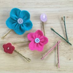Keeping finding bobby pins around the house? Well here's some easy DIY's that'll make you want to keep hold of them! Fabric Shears, Needle And Thread, Flowers In Hair, Troll, Hair Pins, Bobby Pins, Upcycle, Easy Diy, Scrap