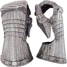 A PAIR OF GERMAN GAUNTLETS C.1520