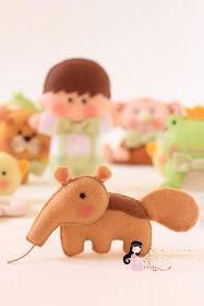 ...para enfeitar a guirlanda do Bento.          Tamanduá inspirado no maravilhoso trabalho da querida Dani: http://moca-arteira.blogspot.com...
