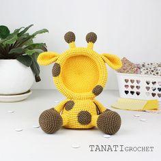 Another giraffe photo frame, only now a photo frame with a round head.  The pattern will be ready soon.    #amigurumi #crochet #crocheted #crocheting #crochetlove #crochetaddict #crochetersofinstagram #toy #toys #handmade #handmadebyme #handmadewithlove #yarn #амигуруми #вязание #cute #adorable #örgü #ganchillo #virka #crochetdoll #amigurumipattern #etsy #etsyAU #freecrochetpattern #amiguru_mi #weamiguru #crochetgiraffe #tanaticrochet
