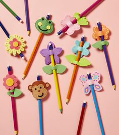 How To Make Pencil Toppers Use a fall or xmas theme Pencil Topper Crafts, Pencil Crafts, Diy For Kids, Crafts For Kids, Arts And Crafts, Paper Crafts, Foam Sheet Crafts, Foam Crafts, Pen Toppers