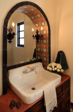 mexican home decor Latino Living: Mexican Decor Inspiration For The Latino Home Spanish Bathroom, Spanish Style Bathrooms, Spanish Home Decor, Spanish Colonial Homes, Mexican Home Decor, Spanish Style Homes, Mediterranean Home Decor, Spanish House, Spanish Revival
