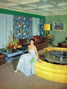 Cyd Charisse in her living room, 1950 – retro 1950s Living Room, Retro Living Rooms, Living Vintage, Mid Century Modern Living Room, Mid Century Decor, Mid Century House, Mid Century Style, Mid Century Modern Design, Mid Century Modern Furniture