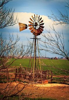 Lilly's - Old Farm Windmill by Picture That! More Mais Farm Windmill, Garden Windmill, Windmill Art, Semarang, Old Windmills, Farm Pictures, Pintura Country, Country Scenes, Diorama