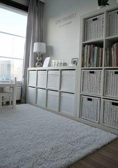 Genial idea para mantener ordenados juguetes y libros
