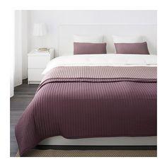 KARIT Couvre-lit et 2 housses coussin IKEA Grande douceur car le couvre-lit et la housse de coussin sont matelassés.