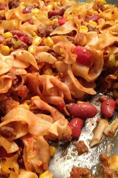 Taco sauce and taco seasoning mix give Mexican flavor to this beef and noodle casserole in which canned corn, tomatoes, and beans are included. Hamburger Casserole, Casserole Recipes, Frugal Meals, Budget Meals, Cheap Recipes, Beef And Noodles, Cheap Dinners, Meals For The Week, 3 Weeks