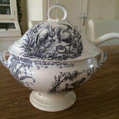 Sociëte Ceramique decor  Oiseaux soepterrine sold