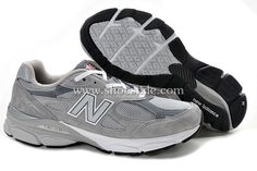 New Balance 990 Couple running shoes Gray[M990GL3]-The men's 990 features a classic design with a universal appeal, from its premium pigskin upper with mesh inserts for breathability to the stability-enhancing ABZORB® midsole plus ENCAP to promote a healthy gait. Whether you're running five miles a day or rushing from class to class on your feet, the seriously comfortable 990 takes you everywhere in timeless casual style.