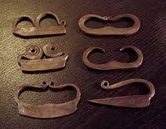 """Résultat de recherche d'images pour """"objets médiévaux"""""""