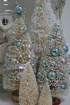 bottle brush trees with aqua Christmas balls Aqua Christmas, Shabby Chic Christmas, Noel Christmas, Vintage Christmas, Christmas Crafts, Christmas Decorations, Christmas Ornaments, Miniature Christmas, Beautiful Christmas