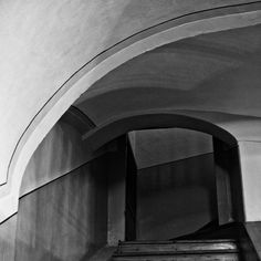 Picture, urban, staircase, corridor, arches  //  bwstock.photography/urbn.html