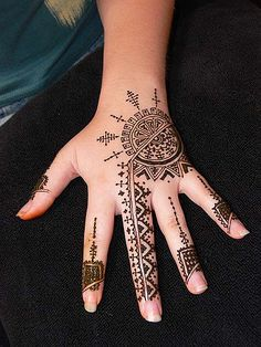 Joan's vitamin-rich henna to stave off scurvy | Flickr - Photo Sharing!