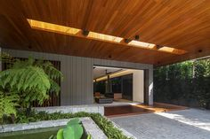 Gallery of Open Ended House / Wallflower Architecture + Design - 23
