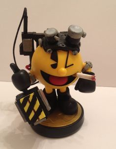 Custom Amiibo Pac-Man as Pac-Man the Ghostbuster by Video Game Movies, Video Game Art, Pac Man, Ben 10 Action Figures, Nintendo, Pokemon, Skylanders, Star Wars Party, Boy Costumes