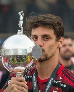 Campeão!! Rodrigo Caio Flamengo Tableware, Glass, Sports, Instagram, Sheriff, Soccer, World, Black, Hs Sports