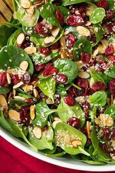 Almond Spinach Salad Cranberry Almond Spinach Salad with Sesame Seed Dressing - so easy, so delicious!Cranberry Almond Spinach Salad with Sesame Seed Dressing - so easy, so delicious! Salad Bar, Soup And Salad, Pasta Salad, Bistro Salad, Tuna Pasta, Food Salad, Quinoa Salad, Sesame Seed Dressing, Healthy Snacks