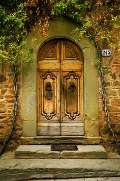 #Looking for some inspirational door ideas for your #renovation project, here's some #doors from around the world - Tuscany, Italy (By John Galbo)http://www.myrenovationmagzine.com