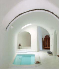 un bagno dedicato al relax in stile Summer Greek #interiordesign #Napoli #madeinitaly #madeinsud