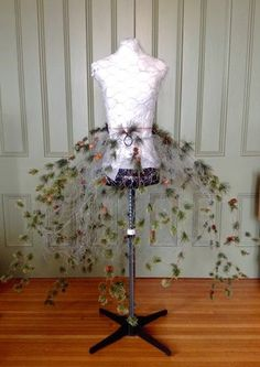 diy chicken wire dress form.........tutorial | After protecting my mannequin, I used chicken wire to create a stiff ...