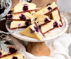 There's something perfect about the pairing of berries and white chocolate, a flavour combination that turns this cheesecake slice into something special. White Chocolate Cheesecake, Berry Cheesecake, Caramel Cheesecake, Cheesecake Recipes, Individual Cheesecakes, Carrot Spice Cake, Cream Cheese Recipes, Dessert Recipes, Desserts