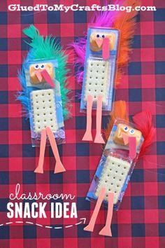 Turkey Themed Cheese & Cracker Classroom Snack Idea