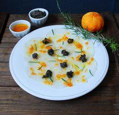 Cod fish carpaccio with mandarin olive oil - Carpaccio de bacalao con aceite de mandarina y tapenade  #recipe #recipes #fish #seafood #sashimi #appetizer Hors-d'oeuvre