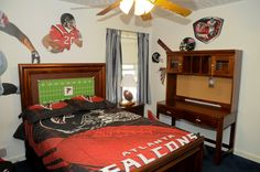 Falcons Room from Rooms to Go