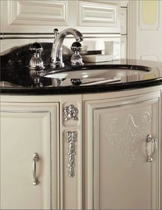 Luxurious Classic Bathroom Vanity Lighting 1000 Images About Bathroom Classic Mestre On Pinterest
